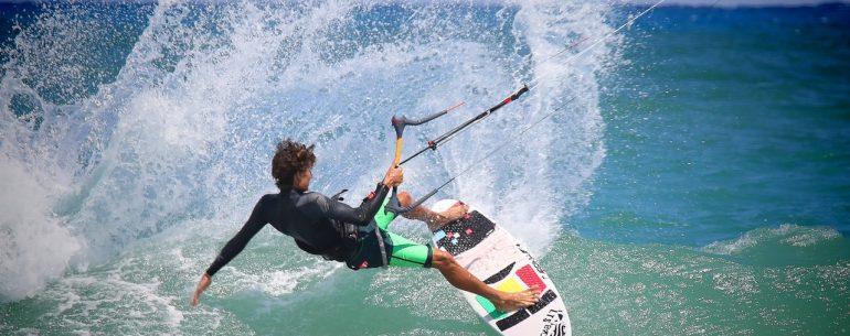Kitesurfing in Los Cabos