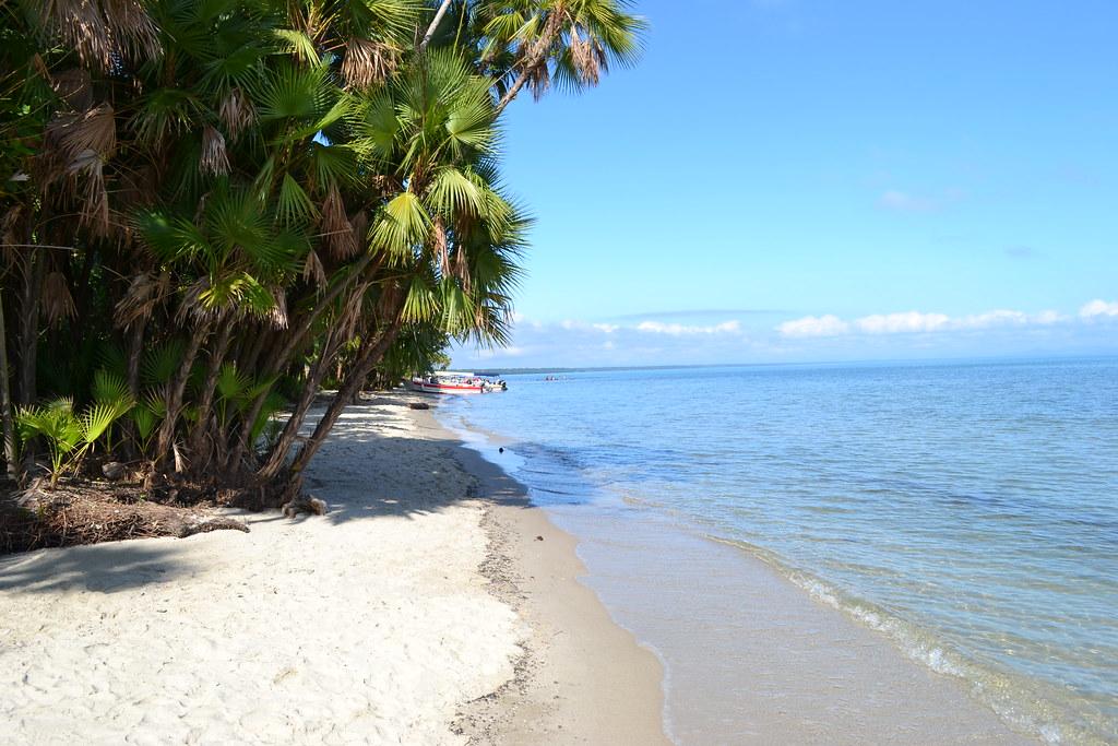 Vista de una playa Guatemalteca